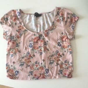 Other - Pink floral crop top